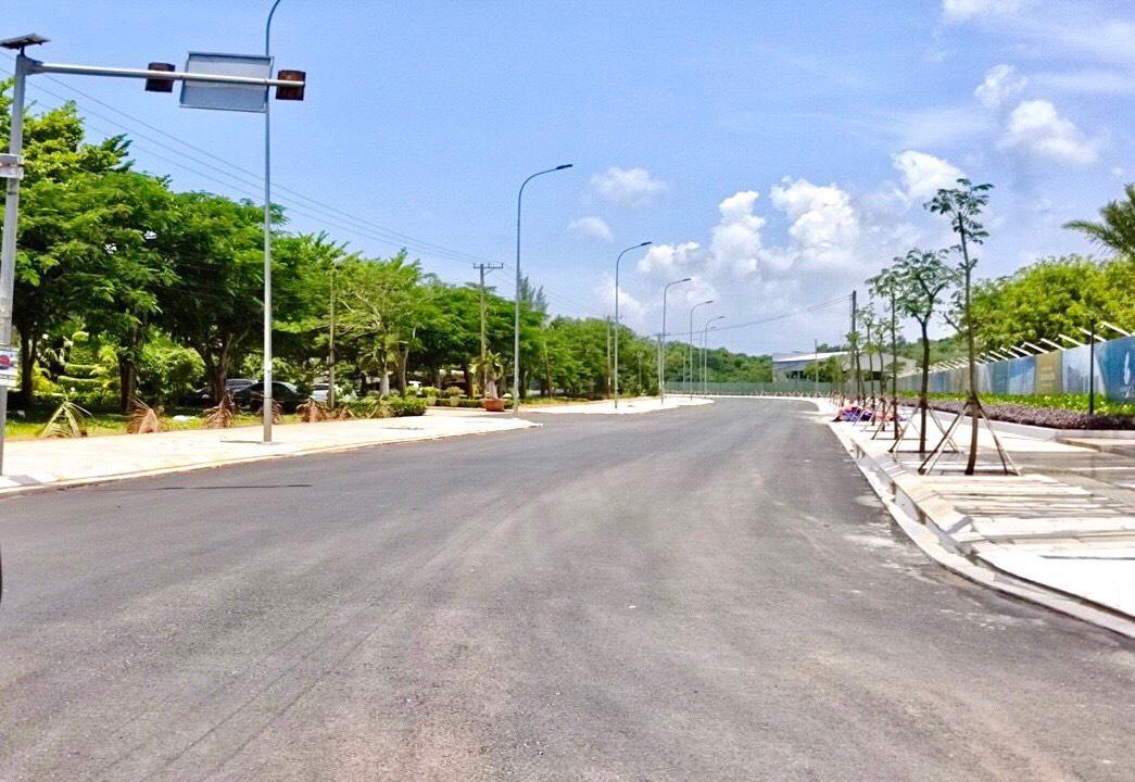 tiến độ thi công đường dự án Hồ Tràm Complex